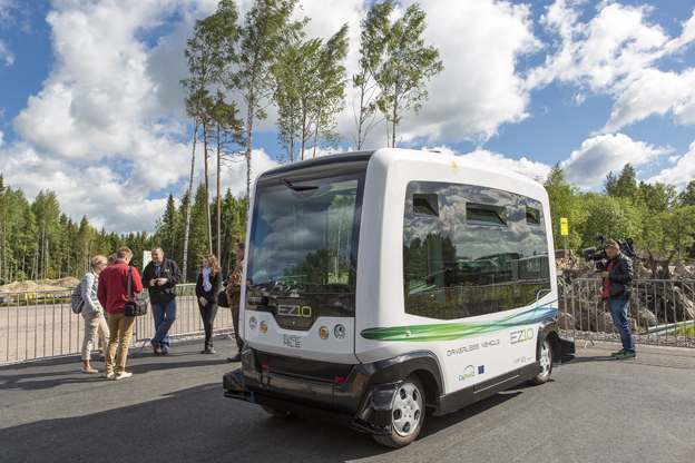 CityMobil2 -kuskiton älybussi Vantaan asuntomessuilla. Lähde: Vantaan kaupunki. Kuvaaja Sakari Manninen