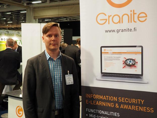 Teppo Kattilakoski esittelemässä Graniten tarjontaa ICTexpossa 2016